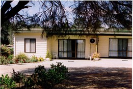 Casuarina Cabins - Accommodation Main Beach