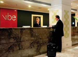Vibe Savoy Hotel Melbourne - Accommodation Main Beach