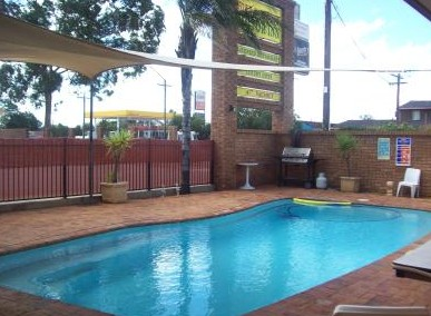 Town And Country Motor Inn Cobar - Accommodation Main Beach