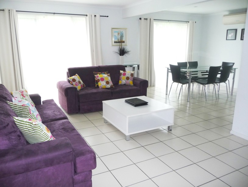 The Shores Holiday Apartments - Accommodation Main Beach