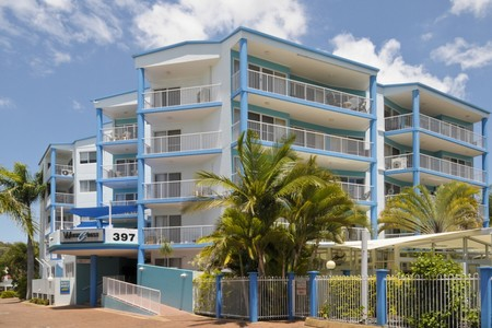 White Crest Luxury Apartments - Accommodation Main Beach