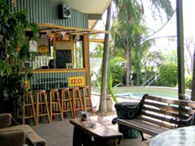 Backpackers By The Bay - Accommodation Main Beach