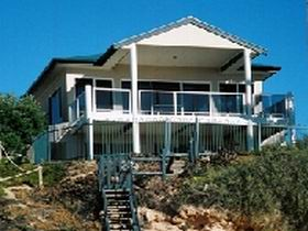 Top Deck Cliff House - Accommodation Main Beach