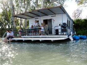 The Murray Dream Self Contained Moored Houseboat - Accommodation Main Beach