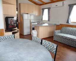 Victor Harbor Holiday and Cabin Park - Accommodation Main Beach