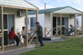 Discovery Holiday Parks Devonport Cosy Cabins - Accommodation Main Beach