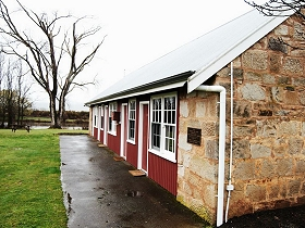 Ross Caravan Park  Heritage Cabins - Accommodation Main Beach