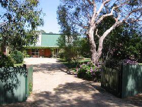 Pelican Bay Bed and Breakfast - Accommodation Main Beach