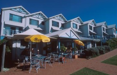 Breakers Apartments Mollymook - Accommodation Main Beach
