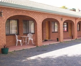 Cooma Country Club Motor Inn - Accommodation Main Beach