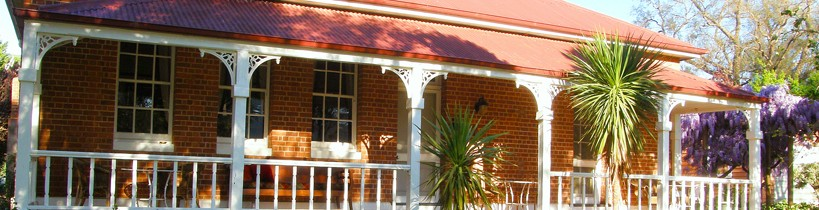 Araluen Old Courthouse Bed and Breakfast - Accommodation Main Beach