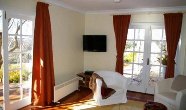 Clontarf Bed and Breakfast - Accommodation Main Beach