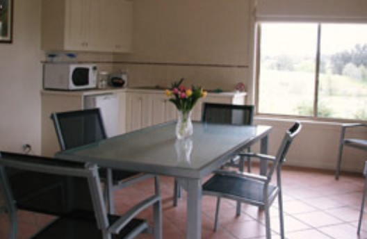 Burns B and B and Yabby Farm - Accommodation Main Beach