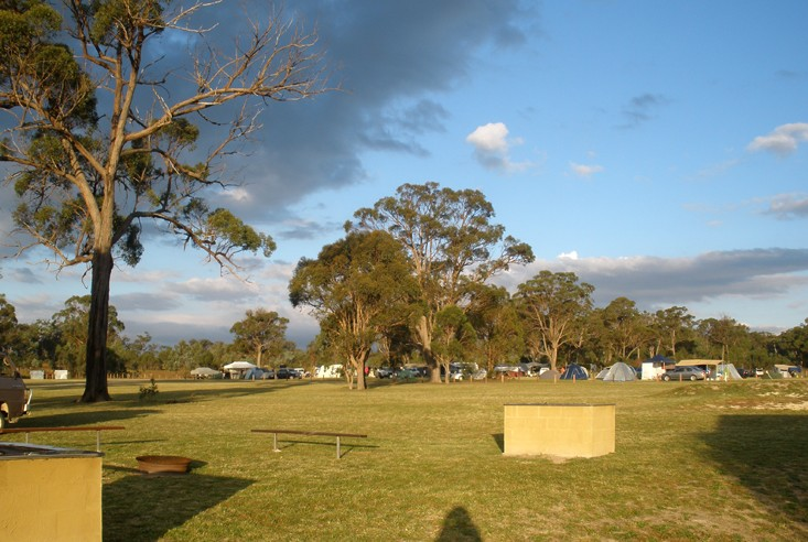 Sommerville Valley Tourist Park - Accommodation Main Beach