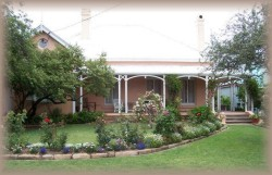 Guy House Bed and Breakfast - Accommodation Main Beach