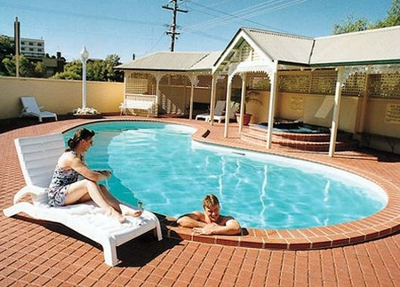 Best Western Clifton  Grittleton Lodge - Accommodation Main Beach