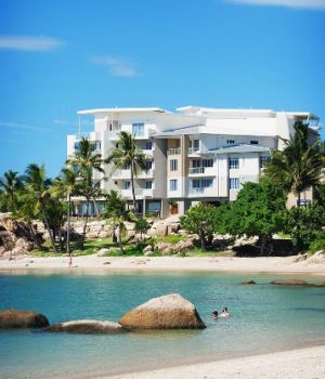 Coral Cove Apartments - Accommodation Main Beach