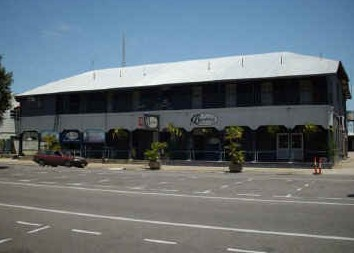 Burdekin Hotel - Accommodation Main Beach