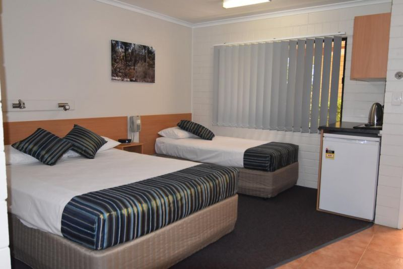 Billabong Motor Inn - Accommodation Main Beach