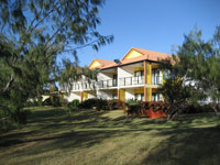 Coral Cove Resort  Golf Club - Accommodation Main Beach