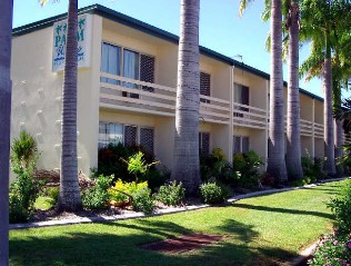 Palm Waters Holiday Villas - Accommodation Main Beach