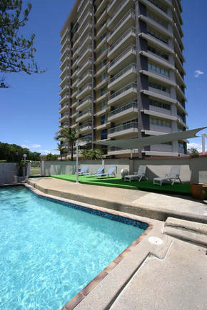 Narrowneck Court - Accommodation Main Beach
