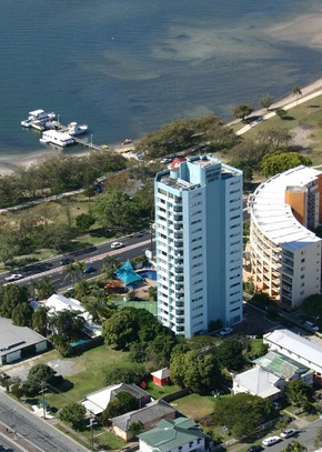 Palmerston Tower - Accommodation Main Beach