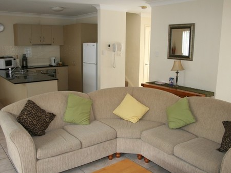 Pacific Sun Gold Coast Holiday Townhouse - Accommodation Main Beach