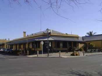 Woolshed Inn Hotel - Accommodation Main Beach