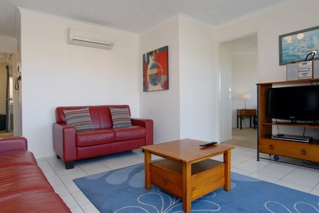 Kings Way Apartments - Accommodation Main Beach