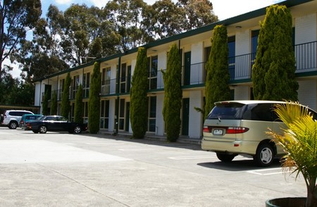 Mulgrave Court Motor Inn - Accommodation Main Beach