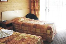 Tenterfield Bowling Club Motor Inn - Accommodation Main Beach