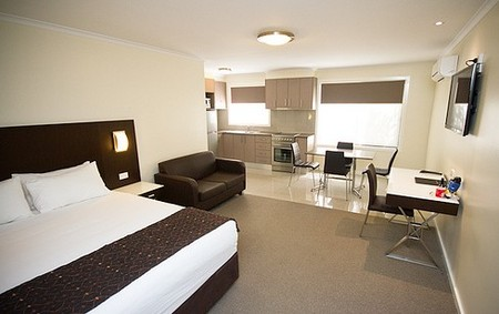 Country Comfort Premier Motel - Accommodation Main Beach