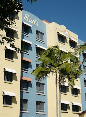 Sails Resort On Golden Beach - Accommodation Main Beach