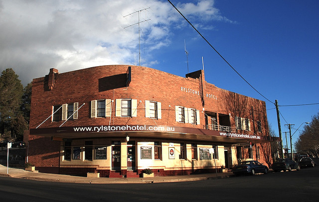 Rylstone Hotel - Accommodation Main Beach