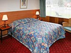 Mt Lyell Motor Inn - Accommodation Main Beach