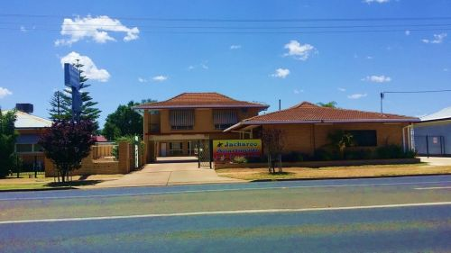 Jackaroo Apartments - Accommodation Main Beach