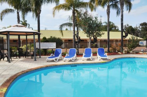 Pinjarra Resort  - Accommodation Main Beach