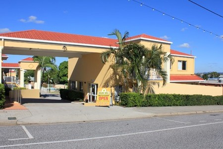 Harbour Sails Motor Inn - Accommodation Main Beach