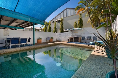 Townsville Holiday Apartments - Accommodation Main Beach