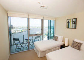 Docklands Apartments Grand Mercure - Accommodation Main Beach