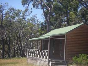Cave Park Cabins - Accommodation Main Beach
