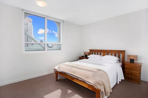 Astra Apartments - Melbourne Docklands - Accommodation Main Beach