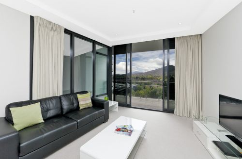 Astra Apartments Canberra - Accommodation Main Beach