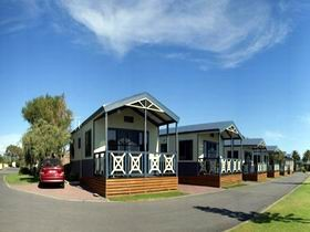 Discovery Holiday Parks - Adelaide Beachfront - Accommodation Main Beach
