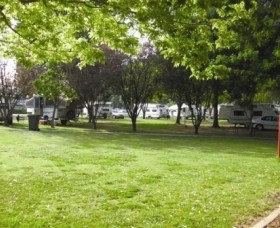 Cowra Van Park - Accommodation Main Beach