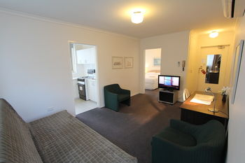 Drummond Apartments Services - Accommodation Main Beach