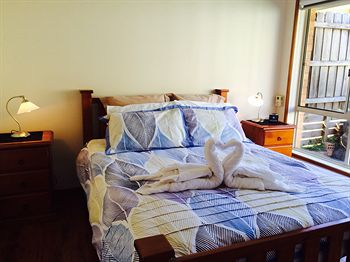 Australian Home Away  East Doncaster Andersons Creek 1 - Accommodation Main Beach