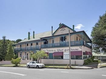 The Victoria amp Albert Guesthouse - Accommodation Main Beach