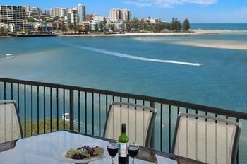 Windward Passage Holiday Apartments - Accommodation Main Beach